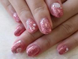 ピンクで可愛いラメグラ
