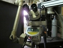 ドイツ製アルファレーザー熔接機のレンズ部分です。必要箇所を16倍に拡大して見ることができます。