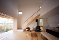 建築家 伊礼智と工務店とOMソーラーの<br /> コラボレーションで造る<br /> 小さな木の家プロジェクト。