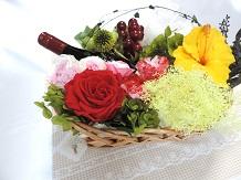 お洒落なお料理の脇役にお花は欠かせません!プリザーブドフラワーでテーブルを素敵に演出してみませんか?