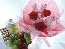 オリジナルくまさんの花束ブーケです。お子さんのお誕生祝いに喜ばれています♪