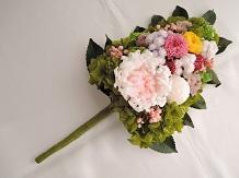 枯れないお花プリザーブドフラワーの仏花です。水換え不要で長持ちします♪